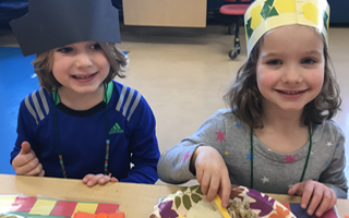 Kindergarteners Celebrate Thanksgiving with a Feast