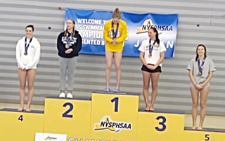 Yasmin Hill takes 5th place at the New York State Diving Championship!